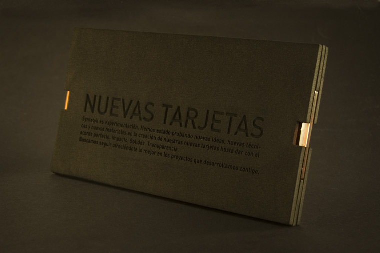 Packaging Tarjetas metacrilato Syntetyk